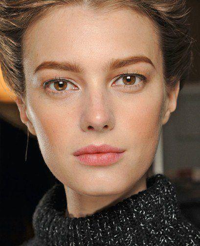 maquillaje-para-navidad-2015-labios-nude