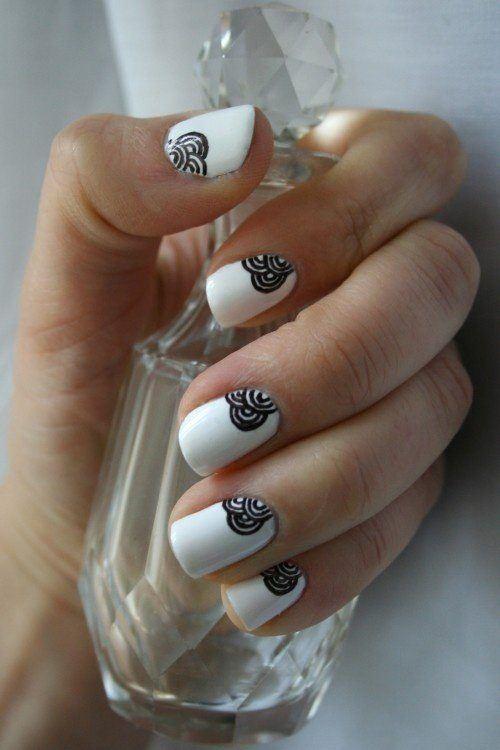 Simple nail decoration