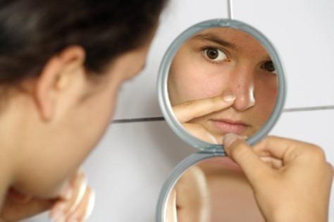 Cómo eliminar un grano de la cara rápidamente
