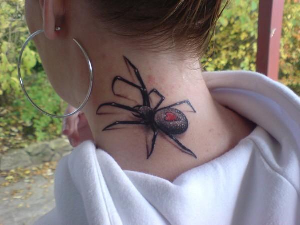 fotos-de-tatuajes-3d-araña-en-el-cuello