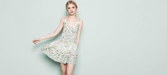 moda-de-los-años-70-vestirse-en-2014-vestido-flores-pull-and-bear