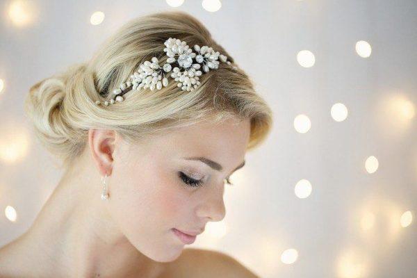diademas-para-navidad-2015-modelo-de-flores-de-victoria-fergusson-modelo-de-flores-con-perlas