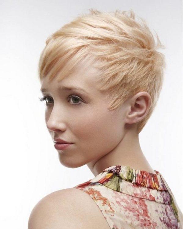 peinados-para-nochevieja-2016-cabello-corto-desfilado-flequillo
