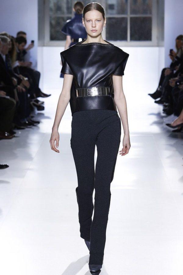 balenciaga-mujer-otono-invierno-2014-2015-cinturon-metalico