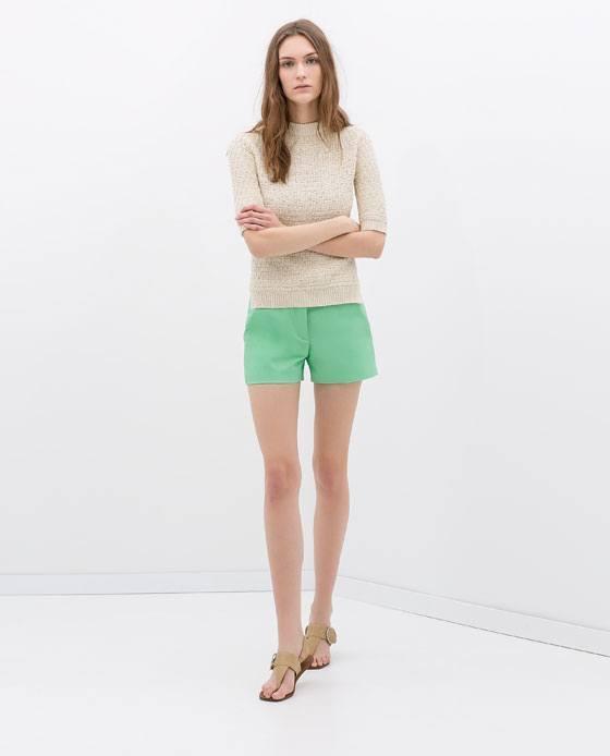 tendencias-shorts-para-mujer-primavera-verano-2014-modelo-zara-color-verde