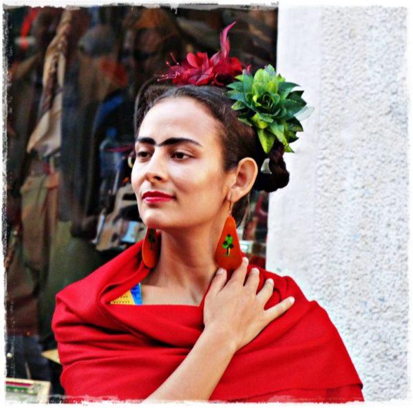 los-disfraces-de-moda-halloween-2016-frida-kahlo