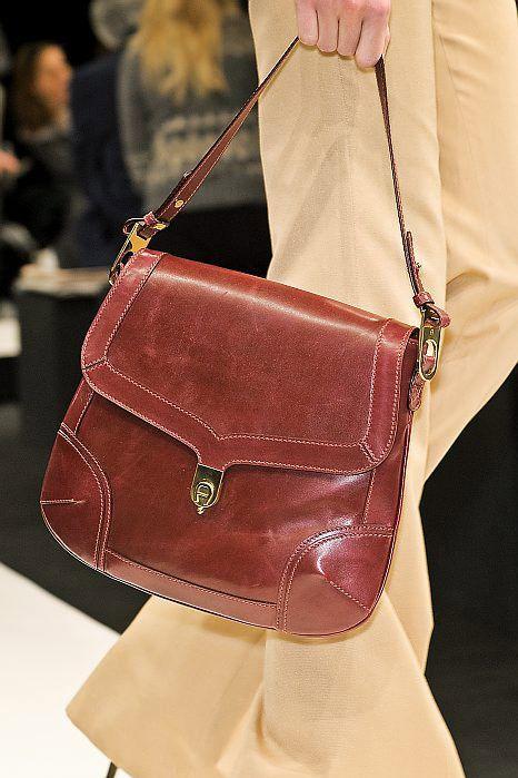 moda-años-70-bolsos-pequeños