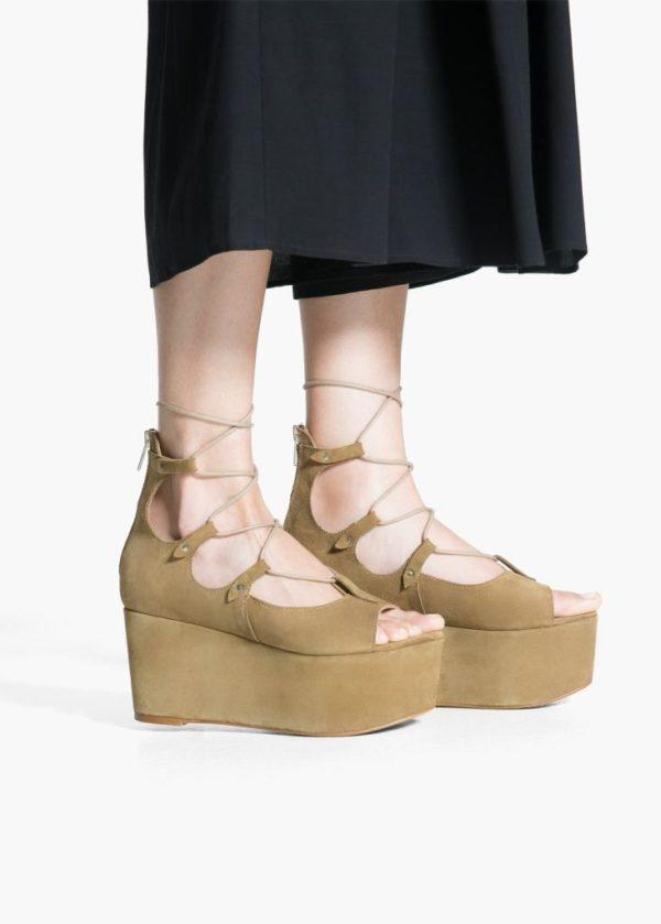 moda-años-70-zapatos-plataforma-mango