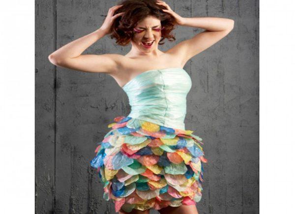 vestidos-reciclados-con-bolsas-de-plastico