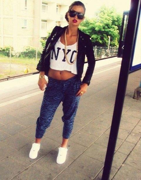 como-vestirse-al-estilo-swag-chicas-PANTALONES-Joggers