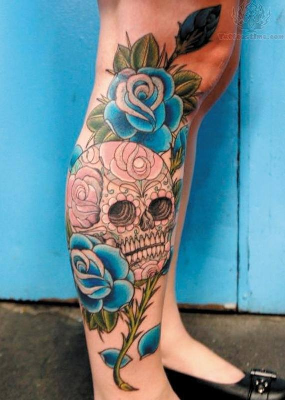 fotos-de-tatuajes-de-la-rosa-azul-rosa-con-calavera