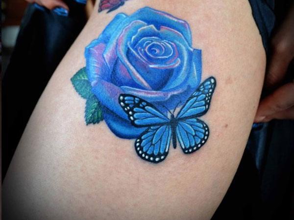 fotos-de-tatuajes-de-la-rosa-azul-rosa-con-mariposa