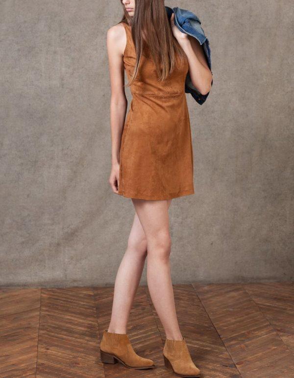 catalogo-stradivarius-2016-ropa-vestido-antelina-camel-claro-tachas
