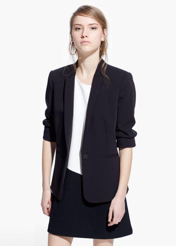 americanas-y-blazers-para-el-otono-invierno-moda-2015-2016-americana-traje-negro-de-mango