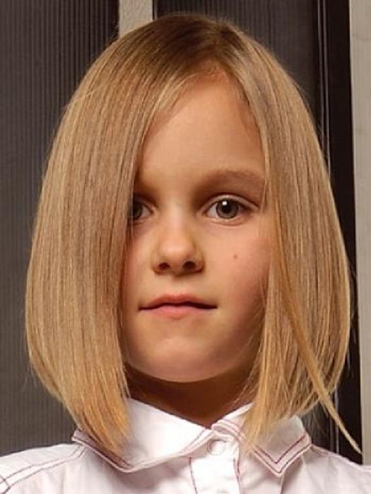 cortes-de-pelo-para-niña-media-melena-estilo-bob-escalado