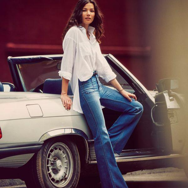 catalogo-abercrombie-fitch-para-chica-y-mujer-otoño-invierno-2015-2016-blusa-boyfriend-jeans-acampanados