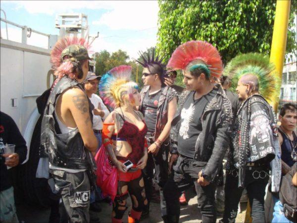 moda-de-los-anos-80-tribus-urbanas-punk