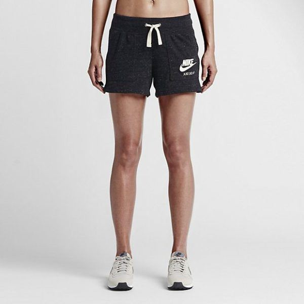 catalogo-ropa-deportiva-mujer-nike-shorts-gris