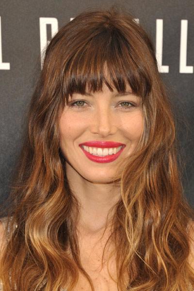 los-mejores-cortes-de-cabello-y-peinados-para-mujer-primavera-verano-pelo-largo-con-ondas
