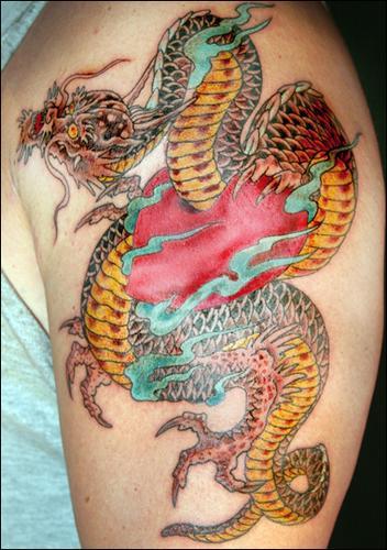 los-mejores-tatuajes-hechos-por-kat-von-d-tatuaje-de-dragon