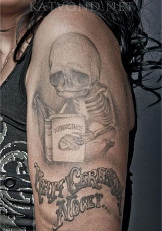 los-mejores-tatuajes-hechos-por-kat-von-tatuaje-de-calavera