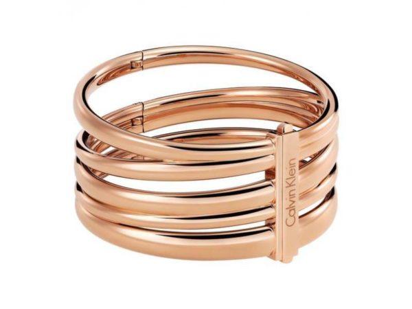 joyas-de-navidad-en-oro-rosado-brazalete-calvin-klein