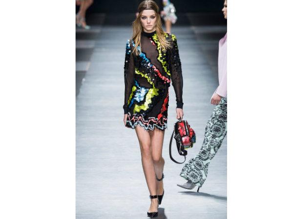 catalogo-versace-vestido-transparente-lentejuela