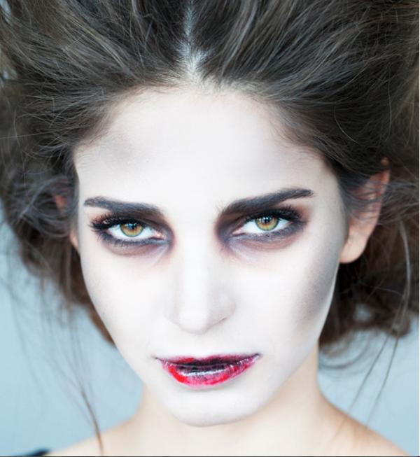 maquillaje-halloween-muerte-labios-rotos