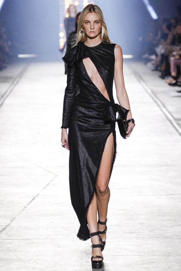 versace-primavera-verano-2016-asimetrias-vestido-largo