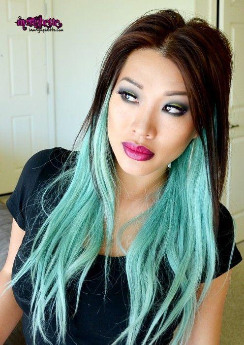 mechas-californianas-azules-pelo-negro