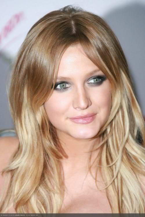 mechas-californianas-en-pelo-rubio-ojos-azules