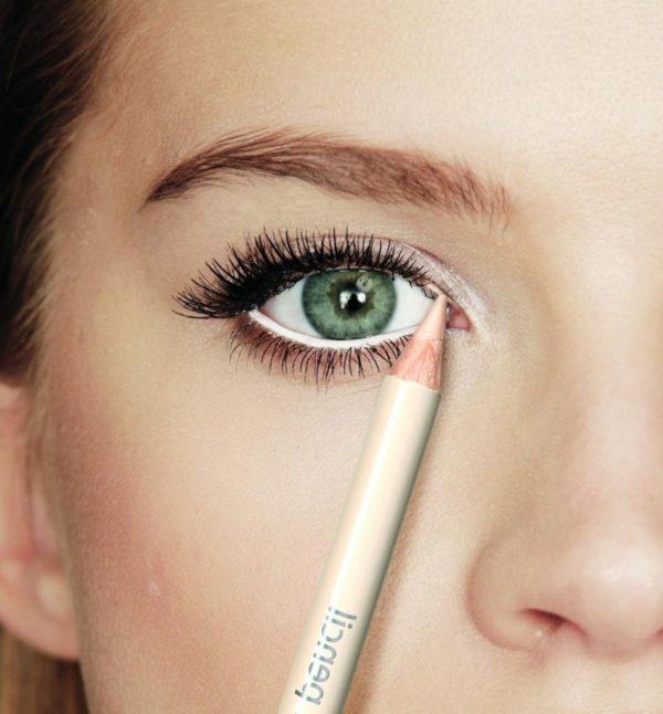 como-maquillar-ojos-pequenos-lapiz-de-ojos-blanco