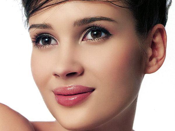 como-maquillar-ojos-pequenos-uso-delineador