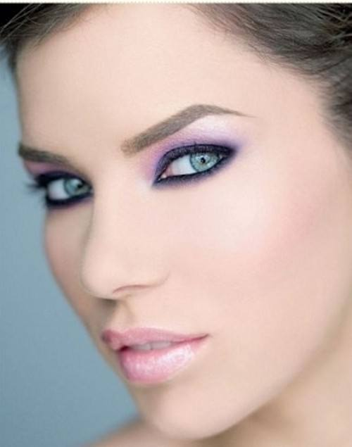 como-maquillar-ojos-verdes-utiliza-sombra-purpura