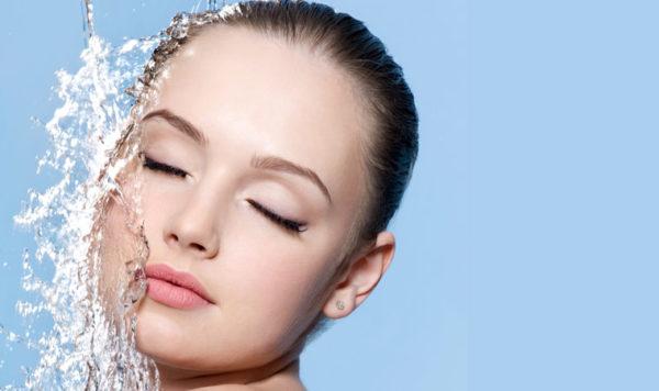 maquillaje-para-boda-de-dia-hidratacion