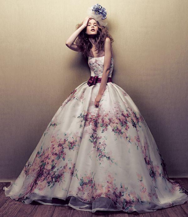 vestidos-de-novia-diferentes-estampado-primaveral