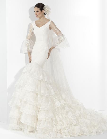 vestidos-de-novia-gitana-volantes-de-encaje