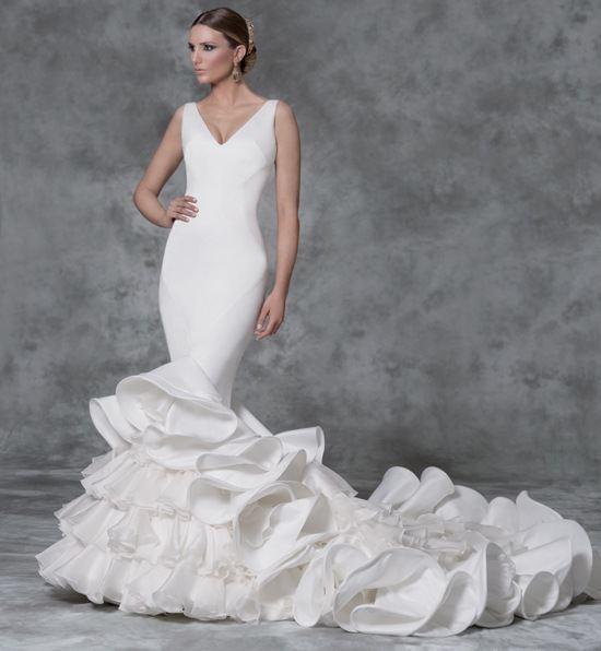 vestidos-de-novia-gitana-volantes-grandes