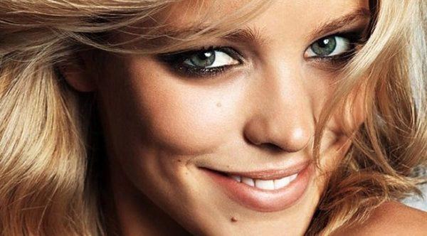 como-maquillar-los-ojos-verdes-color-de-pelo-rubias