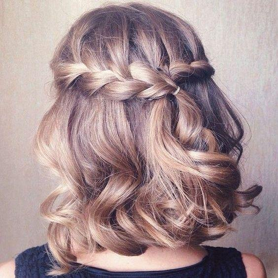 peinados-con-trenzas-pelo-corto-trenza-lateral-atado-atras
