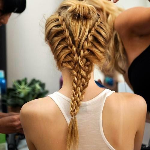 peinados-con-trenzas-pelo-largo-trenza-vikinga2