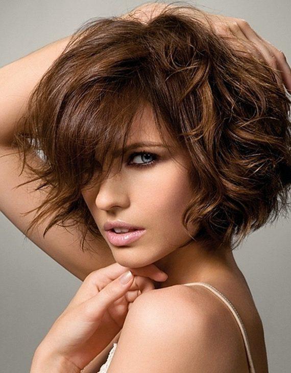 peinados-de-fiesta-para-pelo-corto-rizado