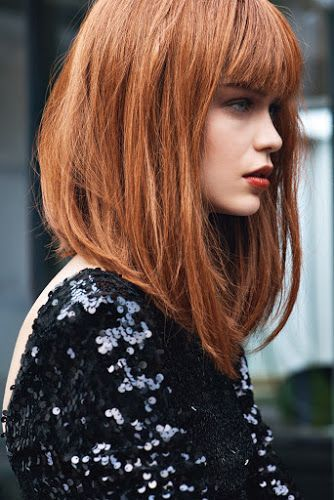 peinados-de-mujer-media-melena-carre-plongeant-rojo