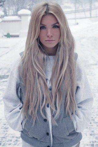 peinados-de-mujer-pelo-largo-rubia