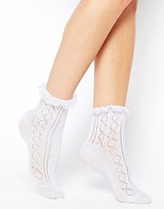 vestidos-comunion-de-nanos-tendencia-calcetines