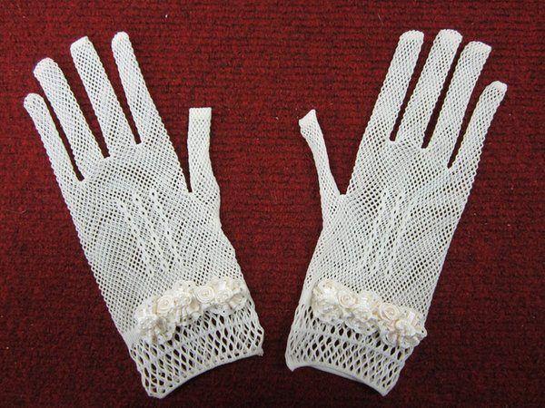 vestidos-comunion-de-nanos-tendencia-guantes-b
