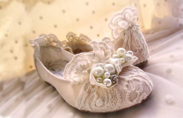 vestidos-comunion-de-nanos-tendencia-zapatos-flamenco