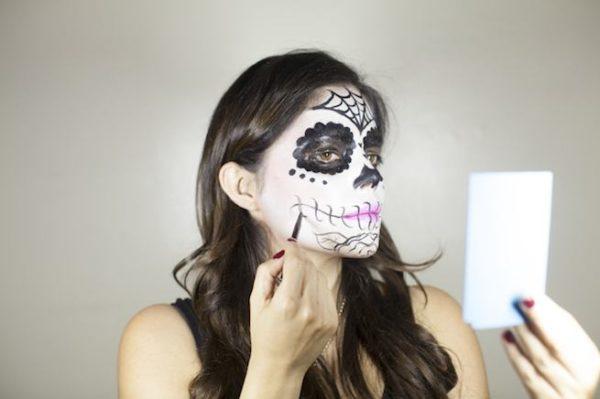 maquillaje-catrina-halloween-como-hacer-paso-a-paso-detalles-dos