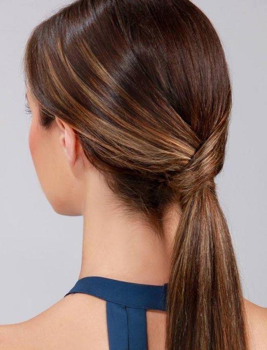 peinados-media-melena-con-coleta-run-way