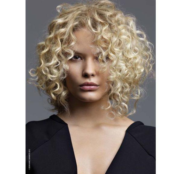peinados-media-melena-rizado-rubio